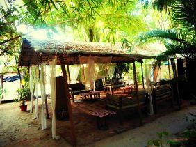 Feet on the map, Palolem, Chattai Huts