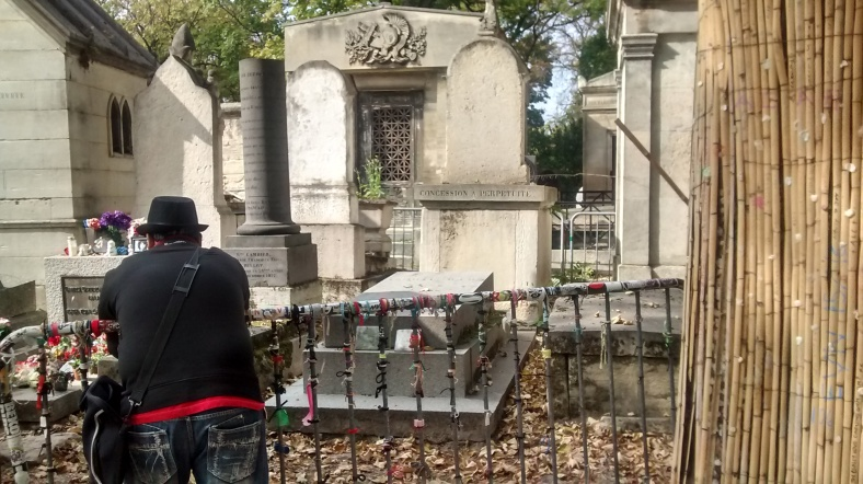 Père Lachaise Cemetery, Jim Morrison, Deepika, Travel bogs in India,Visit Europe